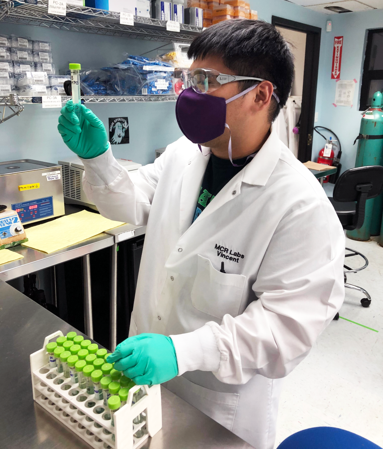 Vince Barcinas prepping samples in the lab.